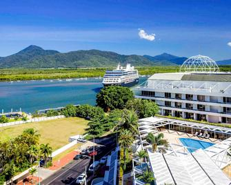 Pullman Reef Hotel Casino - Cairns - Building