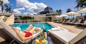 Pullman Reef Hotel Casino - Cairns - Piscina