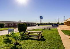 拉克蘭空軍基地羅德威酒店 - 海洋世界 - 聖安東尼奥 - 聖安東尼奧 - 飯店設施