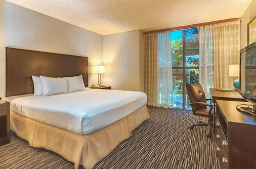 Sawgrass Grand Hotel And Suites Sports Complex - Sunrise - Bedroom