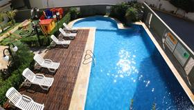 Hotel Santo Graal - Aparecida - Pool