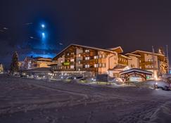 Alpenhotel Tirolerhof - Neustift im Stubaital - Κτίριο