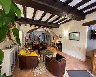 Hotel Porte De Camargue - Arles - Phòng khách
