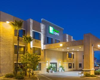 Holiday Inn Express Nogales - Nogales - Building