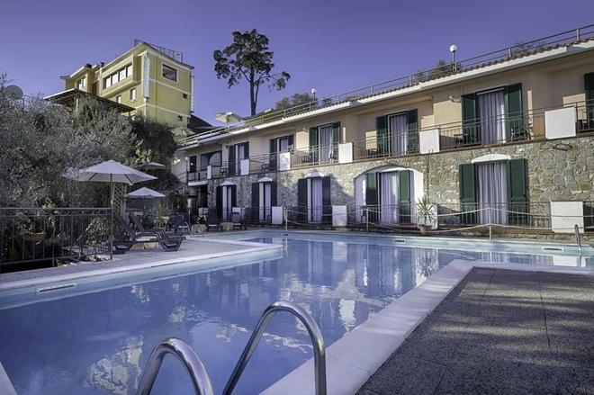 烏里佛酒店 - 戴安諾碼頭 - 蒂亞諾瑪麗娜 - 游泳池
