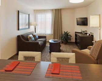 Sonesta Simply Suites Chicago Libertyville - Libertyville - Вітальня