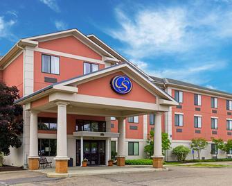 Comfort Suites Twinsburg - Twinsburg - Building