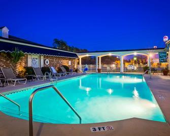 Best Western Plus Santee Inn - Santee - Bazén