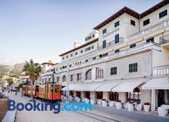 Hotel Esplendido - Port de Sóller - Building