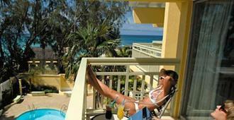 Golden Sands Hotel - Oistins