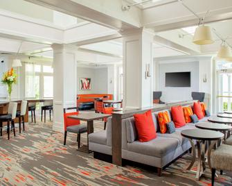 Homewood Suites by Hilton Dallas-Irving-Las Colinas - Irving - Living room