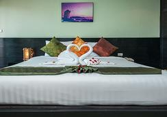 APK Resort & Spa - Patong - Bedroom