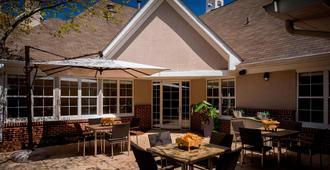 Residence Inn by Marriott Asheville Biltmore - Asheville - Patio