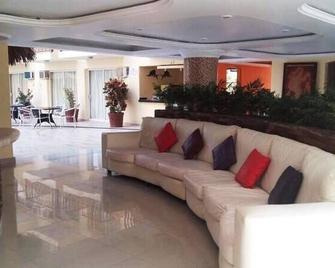Brisareli - Acapulco - Lobby