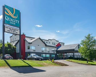 Quality Inn - Kamloops - Building