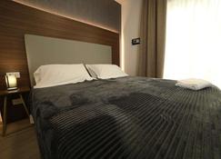 8 Room Hotel - Catania - Habitación