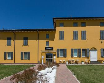 Hotel Forlanini52 Parma - Parma - Edificio