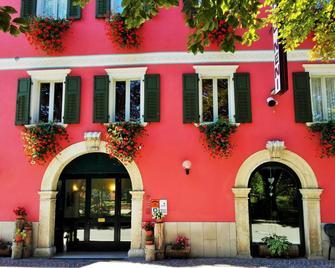 Hotel Neni - Brentonico - Gebäude