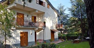 Villa Caterina - Nicolosi - Κτίριο