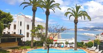 Hotel Rembrandt - Tangier - Pool