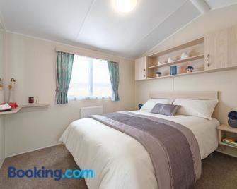 Tehidy Holiday Park - Redruth - Bedroom