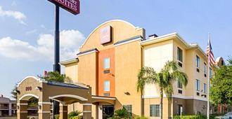 Comfort Suites At Plaza Mall - McAllen - Building