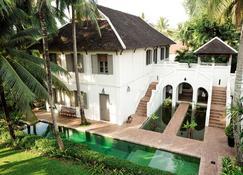 Satri House - Luang Prabang - Building