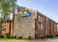 Days Inn by Wyndham Raleigh-Airport-Research Triangle Park - Morrisville - Building
