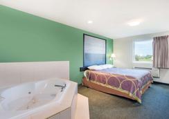 Super 8 by Wyndham Hagerstown/Halfway Area - Hagerstown - Bedroom