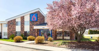 Motel 6 Spokane East - Spokane - Building