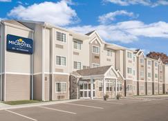Microtel Inn & Suites by Wyndham Binghamton - Binghamton - Building