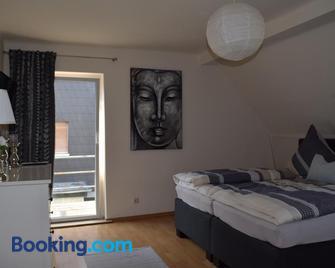 Gästehaus Voyage - Neumagen-Dhron - Bedroom