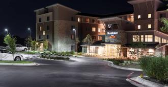 Residence Inn by Marriott Austin Airport - Austin - Edificio