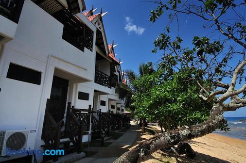 Paya Beach Spa & Dive Resort - Tioman Island - Building