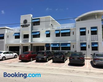 High Noon Beach Resort - Lauderdale-by-the-Sea - Building