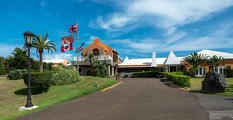 Grotto Bay Beach Resort - Hamilton
