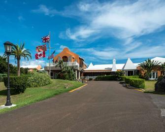 Grotto Bay Beach Resort - Hamilton - Building