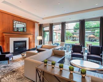 Courtyard by Marriott Boston Brookline - Brookline - Sala de estar