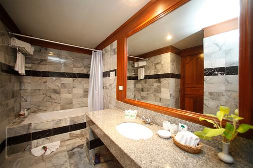 The Fair House Beach Resort & Hotel - Ko Samui - Bathroom
