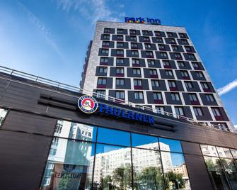 Park Inn by Radisson Novosibirsk - Новосибірськ - Building