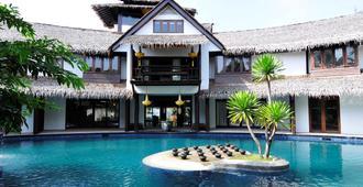 吉隆坡三昧別墅酒店 - 吉隆坡 - 游泳池