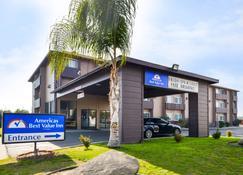 Americas Best Value Inn Delano - Delano - Building