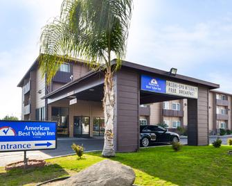 Americas Best Value Inn Delano - Delano - Building