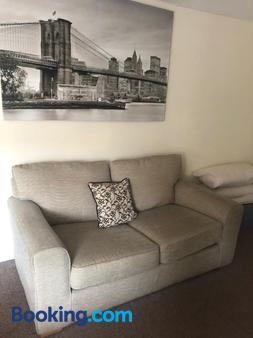 Worthing Rest - Worthing - Living room