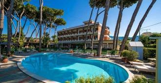 Hotel Le Pleiadi - Forte dei Marmi - Pool