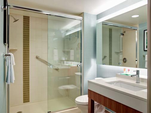Hyatt Place Arlington Courthouse Plaza - Arlington - Bathroom