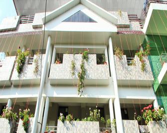 Hotel Shivalik - Best Himalaya View Hotel In Almora' - Almora - Building