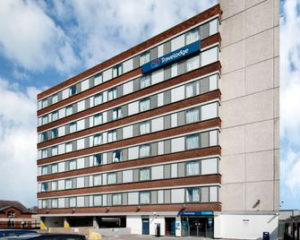 Travelodge Altrincham Central - Алтрінгем - Building