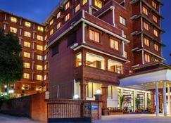 Royal Singi Hotel - Kathmandu - Building