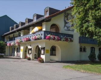 Apparthotel Jagdhof - Bad Griesbach - Building